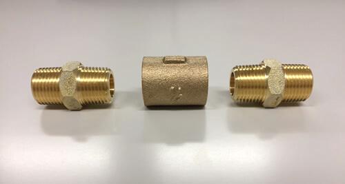青銅製継手 ソケットと六角ニップルの接続